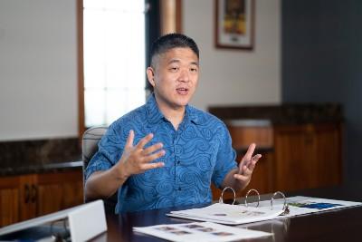 Dr. Hans Chun speaking