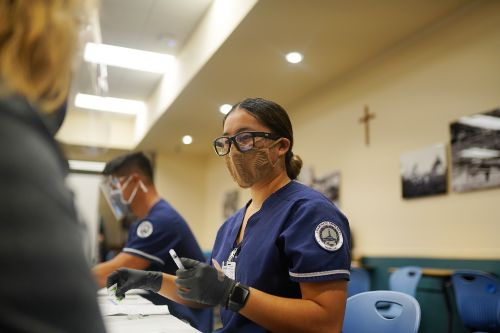 School of Nursing and Health Professions students participate in a vaccination clinic simulation